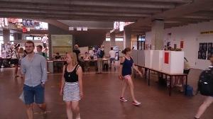 Wahllokal im Brechtbau 2013 - Foto: Constantin Pläcking