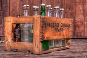 Pfandflaschen in einer Kiste. Foto: Zeppelin/ piqs.de