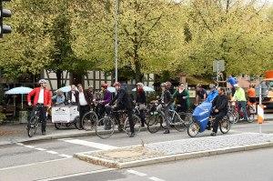 Boris Palmer beim gemeinsamen Radfahren in Tübingen. - Bild: Stadtverwaltung Tübingen